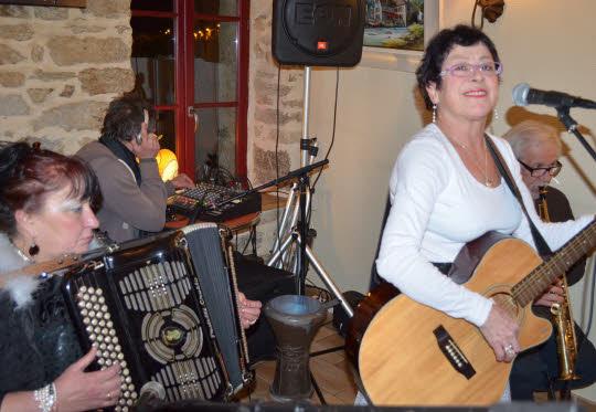 trio domino en concert Pont Aven